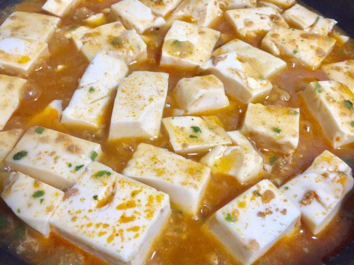 とろとろと弱火で麻婆豆腐を煮る