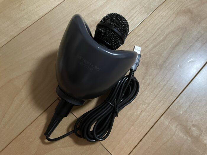 防音カバーがセットされたマイクロフォン