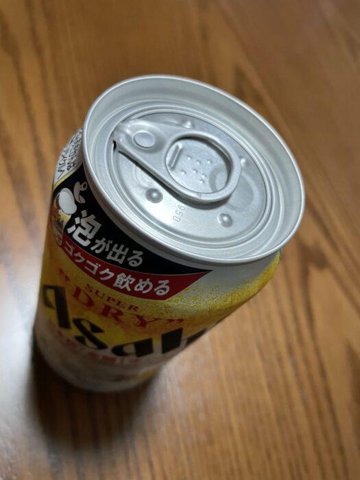 開栓の時を待つ生ジョッキ缶ビール