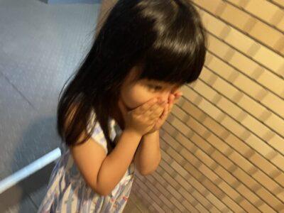 子どもだって驚いたらこんな顔をしてしまう。